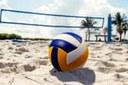 Vereadora Luzia Guedes Carrara cobra construção de quadra de vôlei para dar mais opções para a juventude